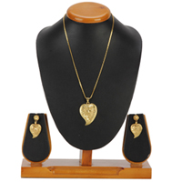 Traditional Heart Framed Gold Tone Metal Earrings and Pendant Set to Aluva
