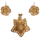 Outstanding Star Saped Floral Jewelry Set in Gold Metal to Ranchi