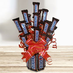 Exceptional Chocolate Bouquet of Sinckers Bar to Adoni