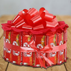 Marvelous Kitkat Arrangement of Round Shape to Bardez