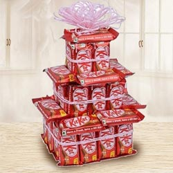 Amazing Three Tier Arrangement of Nestle Kitkat to Aizawl