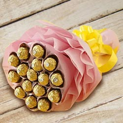 Wonderful Bouquet of Ferrero Rocher Chocolates to Adoor