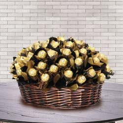 Amazing Basket of Ferrero Rocher Chocolate to Annur