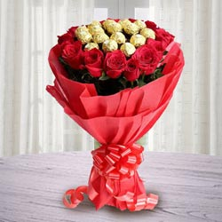 Marvellous Bouquet of Ferrero Rocher Chocolate with Roses to Bangalore