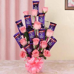 Wonderful Arrangement of Roses with Cadbury Dairy Milk Chocolates to Attibele
