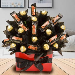 Tasty Bouquet of Mars and Ferrero Rocher Chocolate to Adipur