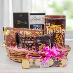 Amazing Chocolate Gift Hamper to Adugodi