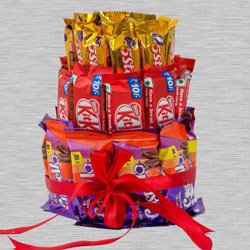 Gratifying 3 Layer Arrangement of Kitkat, 5 Star n Crispello to Akurdi