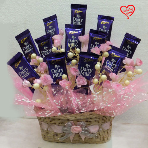Adorable Chocolaty Love Chocolate Hamper to Faridabad