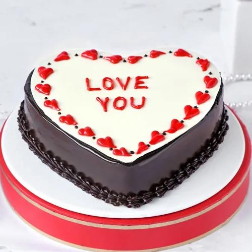 Exquisite Gift of Heart Shape Chocolate Cake to Aluva