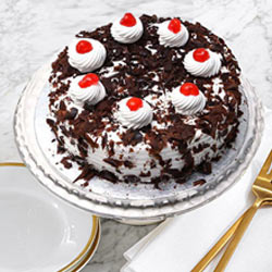 Lip-Smacking Black Forest Cake from Taj or 5 Star Hotel Bakery to Calcutta