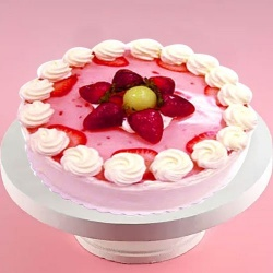 Captivating Strawberry Cake to Karaikal