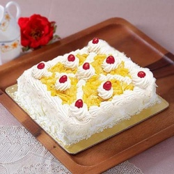 Delicious Eggless Pineapple Cake to Agra