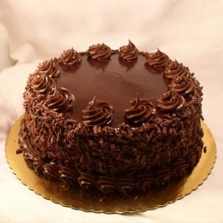 Scrumptious Eggless Chocolate Cake to Karaikal