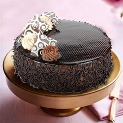 Lip Smacking Truffle Cake to Miraz