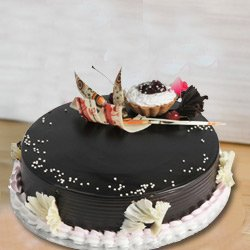 Award-Winning 2 Kg Truffle Cake from 3/4 Star Bakery to Ahmedabad