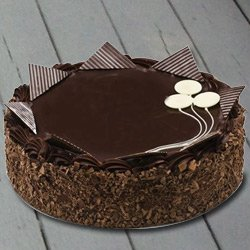 Pleasurable 4.4 Lbs Chocolate Cake from 3/4 Star Bakery to Ahmedabad