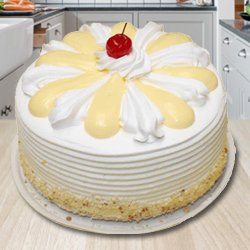 3/4 Star Bakerys Devilishly Good 2 Kg Vanilla Cake to Bijnor