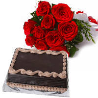 Sumptuous Chocolate Cake with Roses Bouquet to Jaipur