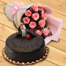 Exquisite 1/2 kg Chocolate Truffle Cake & 10 Pink Roses Bouquet to New Delhi