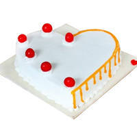 Bakery-Fresh Vanilla Cake in Heart-Shape to Bhubaneswar