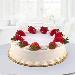 Delicious Eggless Strawberry Cake for Mummy to Barauipur