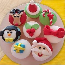 Lovely X-mas Decoration Cup Cakes	 to Aleppy