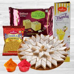 Delectable Haldirams Gift Hamper to Aleppy