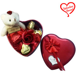 Special Valentine Gift of Cute Teddy N Roses with ... to Raipur
