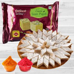 Delectable Haldiram Soan Papdi N Kaju Katli with Free Herbal Gulal to Ahmedabad