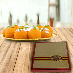 Box of Mixed Dry Fruits with Haldirams Boondi Ladoo to Ancharakandy