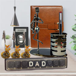 Trendy Father�s Day Gift Hamper with Chocolates to Addanki
