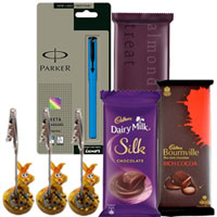 Superb Combo of Parker Pen with Chocolate N Paper Holder to Hissar