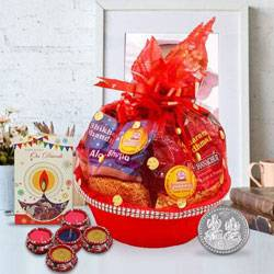 Seasons Essential Diwali Gift Basket to Adilabad