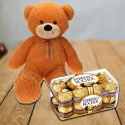Amazing Super Big Teddy with Ferrero Rocher Chocolates to Akola