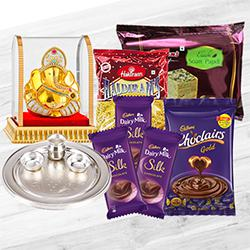 Exclusive Gifts Hamper to Anakapalli