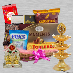 Remarkable Diwali Assortment Gifts Hamper to New Delhi