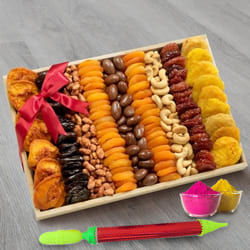 Delectable Dry Fruits n Nuts Gift Tray for Holi to Allahabad