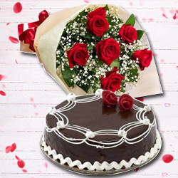 Dapper Red Rose Hand Bunch and Chocolate Cake to Noida