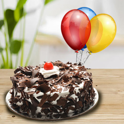 Happy and Tantalizing Black Forest Cake with Balloons to Tuticorin