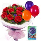 Alluring All Time Classic�Gift of Roses Bouquet, Balloons and Chocolate to Vellore
