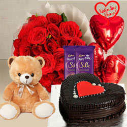 Sweet Touch of Your Love Valentine Hamper to Cochin