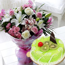 Stylish Mixed Flowers Bouquet with Kiwi Cake to Trichy