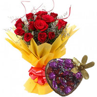 Yummy Handmade Chocolate with Red Roses Bouquet to Aligarh