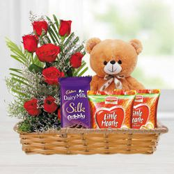 Attractive Gift Basket of Love Gifts N Red Roses to Ghaziabad