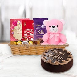Attractive Gift Basket of Birthday Gifts N Chocolate Cake to Pattukottai