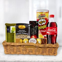 Attractive Gift Basket of Delightful Gourmets to Tirunelveli