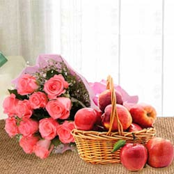 Mesmerizing Pink Roses Bouquet With Apples in Basket to Ajmer