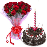 Midnight Present of Roses Bouquet with Delicious Black Forest Cake and Candles to Hyderabad