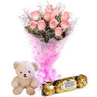 Mid-night Combo of Delectable Ferrero Rocher with Aromatic Pink Roses and Cute Teddy to Calicut